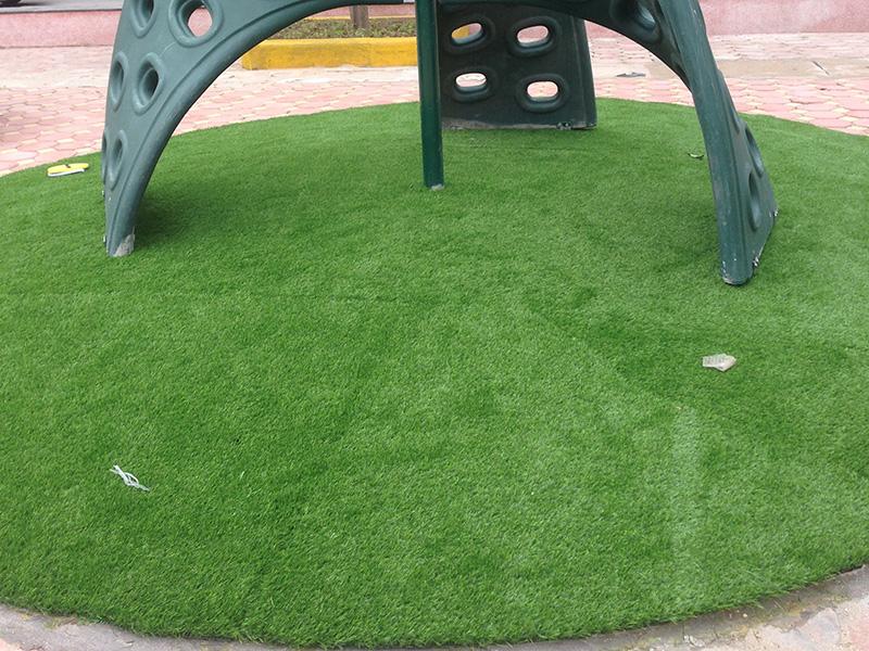 thảm cỏ nhân tạo dày dặn, bền đẹp
