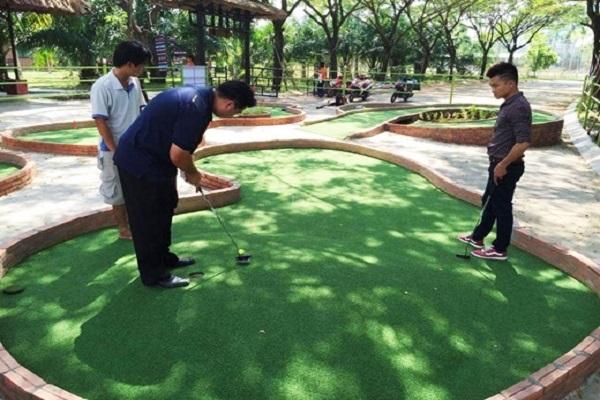 sân golf ngoài công viên